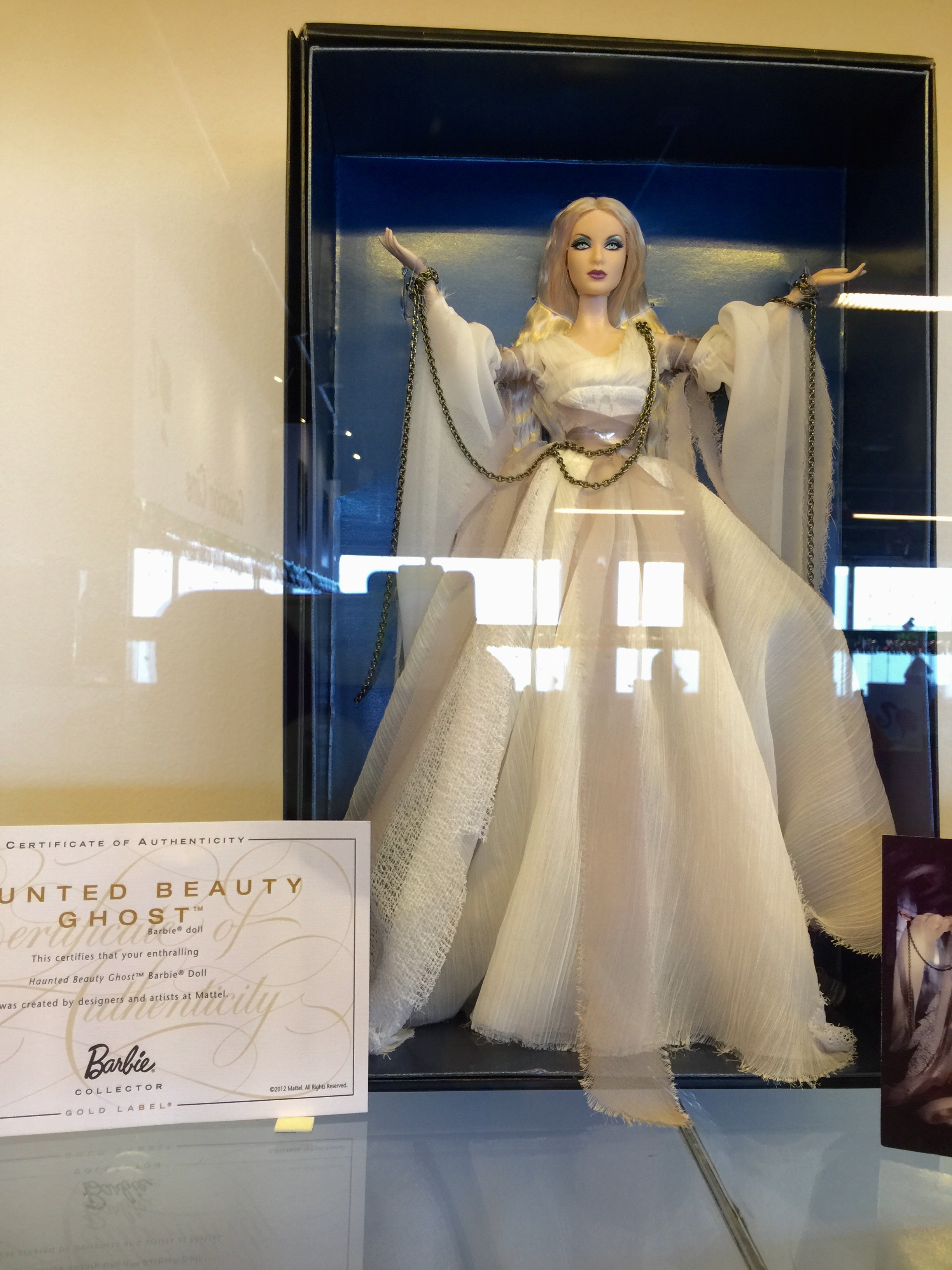Welp Barbie visit the Torre Latinoamericana TK-96