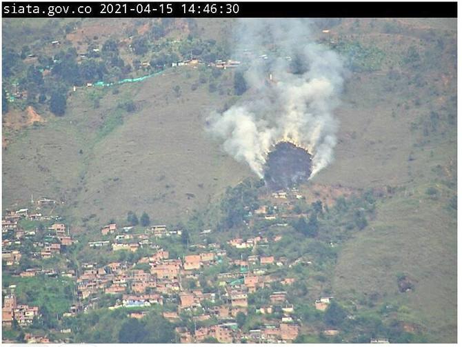 Último minuto: Incendio forestal en Medellín en estos momentos