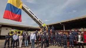 Bomberos Medellín celebra su día clásico con reconocimiento a integrantes de la institución