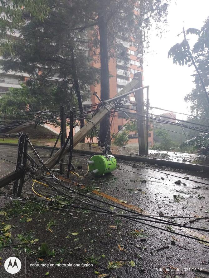 EPM comienza a restablecer servicio de energía en zonas de El Poblado después de las emergencias