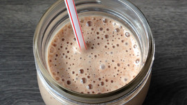 Chocolate & Peanut Butter Smoothie Goodness