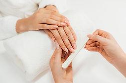 healthy-beautiful-manicure-manicurist-wi