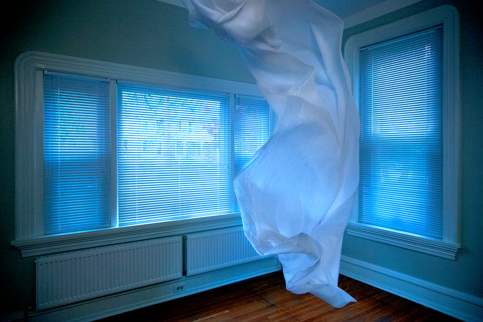 cloth-corner-apparition.jpg