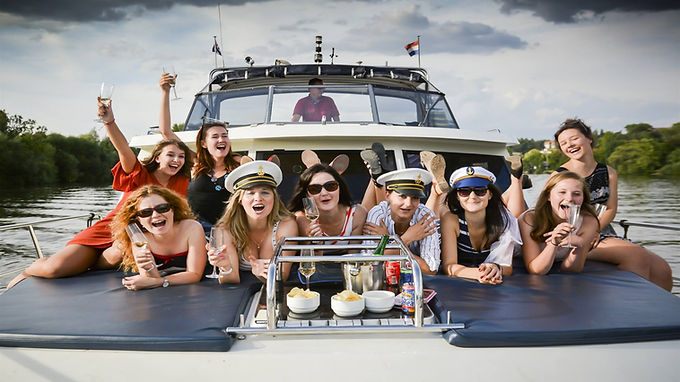 Výletní & párty loď Explorer