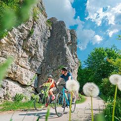 Felsen vor Dollnstein ©Informationszentrum Naturpark Altmühltal ()