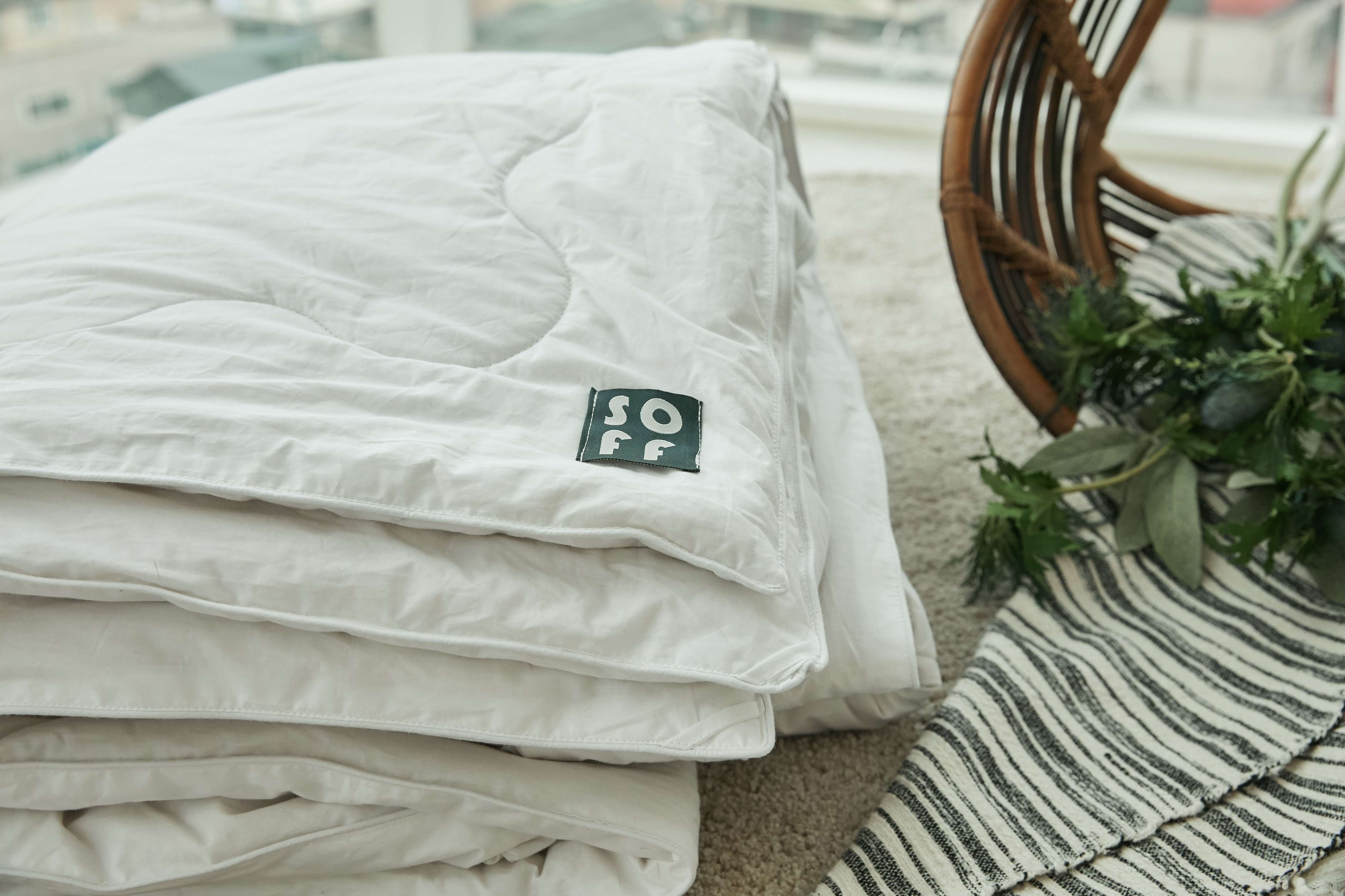SOFF Silk Comforter