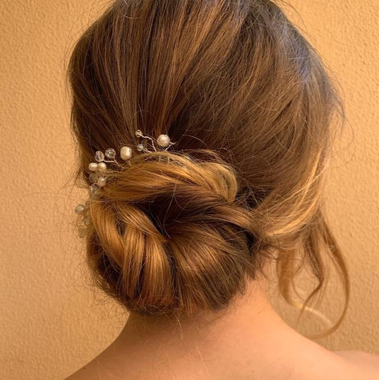 Bridal hair simple knotted bun