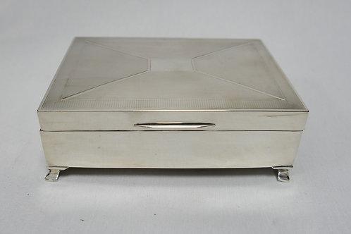 Sterling Silver Desk Cigarette box /Caixa em prata inglesa