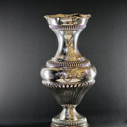 A Portuguese sterling silver baluster vase/ Jarra em prata portuguesa