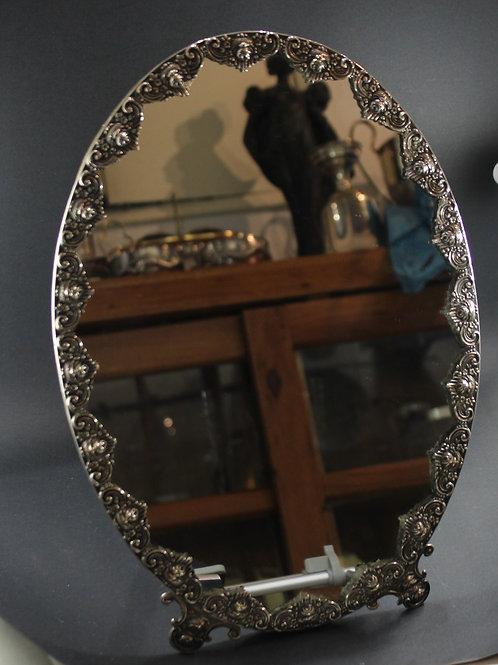 A portuguese sterling silver table mirror / Espelho em prata portuguesa