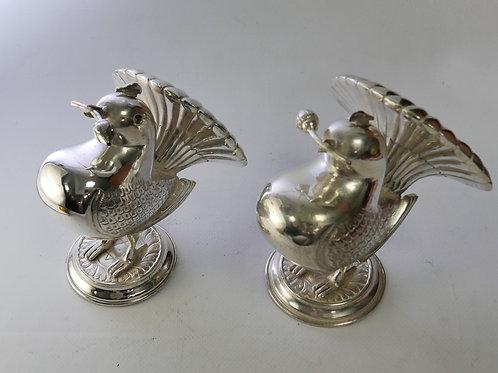 A sterling Silver bird shaped/ Galheteiro em forma de passaros em prata