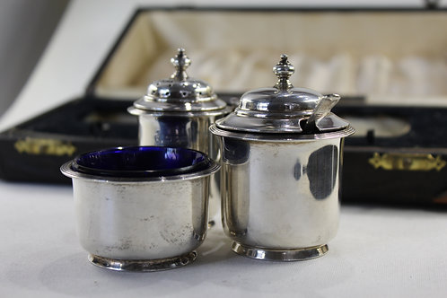 A English sterling silver Condiment Set / CONDIMENT SET PRATA INLGESA SEC. XX