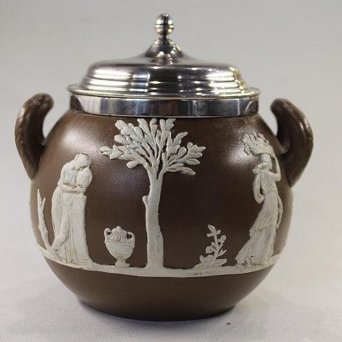 A porcelain sterling silver sugar bowl / Açucareiro em porcelana tampa em prata
