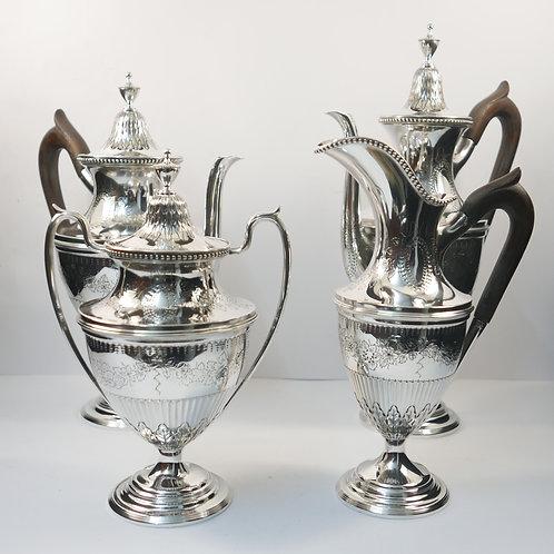 A COFFE AND TEA SET a portuguese sterling silver/Serviço de chá prata portuguesa