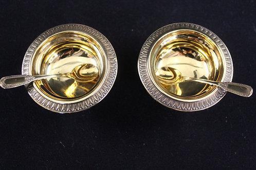 A Pair of French sterling silver-gilt salt  / Par de saleiros em prata dourada