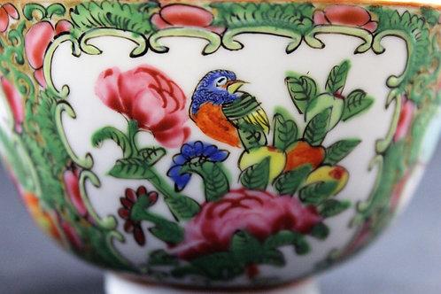 A chinese porcelain bowl /Taça mandarim séc. XIX