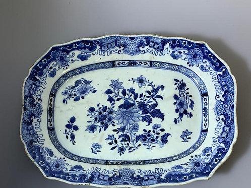A octogonal dish porcelain chinese/ Travessa em porcelana chinesa