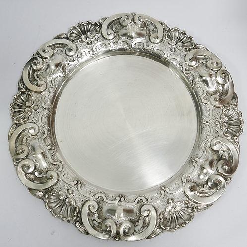 A Portuguese sterling silver salver/ Salva em prata portuguesa
