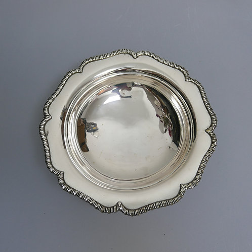 A Portuguese sterling silver a footed bowl