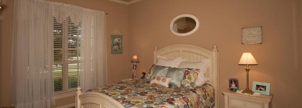 bed 2 01.jpg