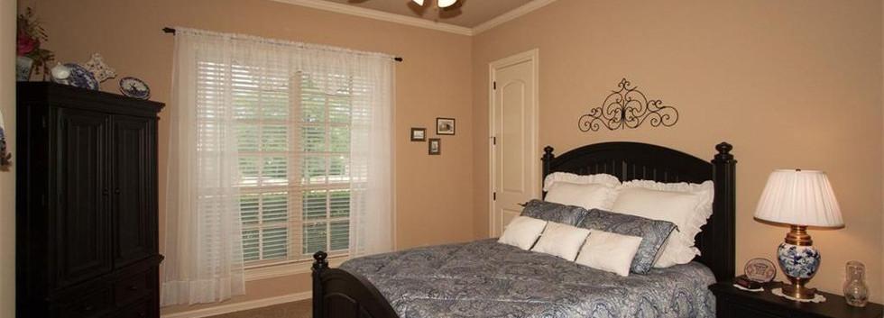 bed 4 01.jpg