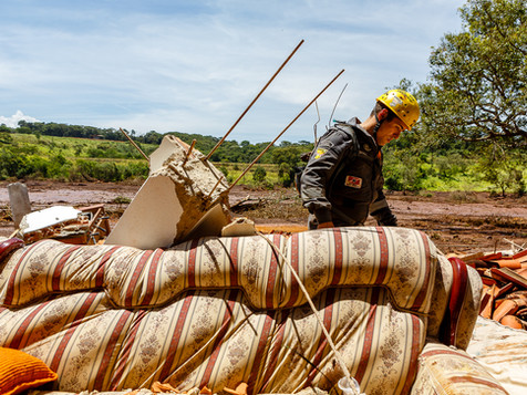 Voluntários de Santa Catarina ajudam nas operações de busca em uma das zonas civis mais afetadas. Uma força tarefa de 7 cidades com 29 membros se deslocou até a cidade de Brumadinho em seus próprios carros, carregando também os próprios mantimentos.  Parque das Cachoeiras - Brumadinho - MG - Brasil.