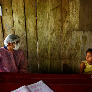 Equipes de saúde e de MSF atendem comunidades do lago Mirini.  Tefé, AM - Brasil.