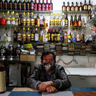 Comerciantes de Paraísopolis durante a Pandemia de Covid-19.  Antônio Humberto, 39 anos. Clóvis José de Pontes, 61 anos. Maria Sales de Pontes, 64 anos.  Paraísopolis, São Paulo - SP - Brasil.