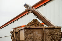 Removal of poultry manure from a poultry