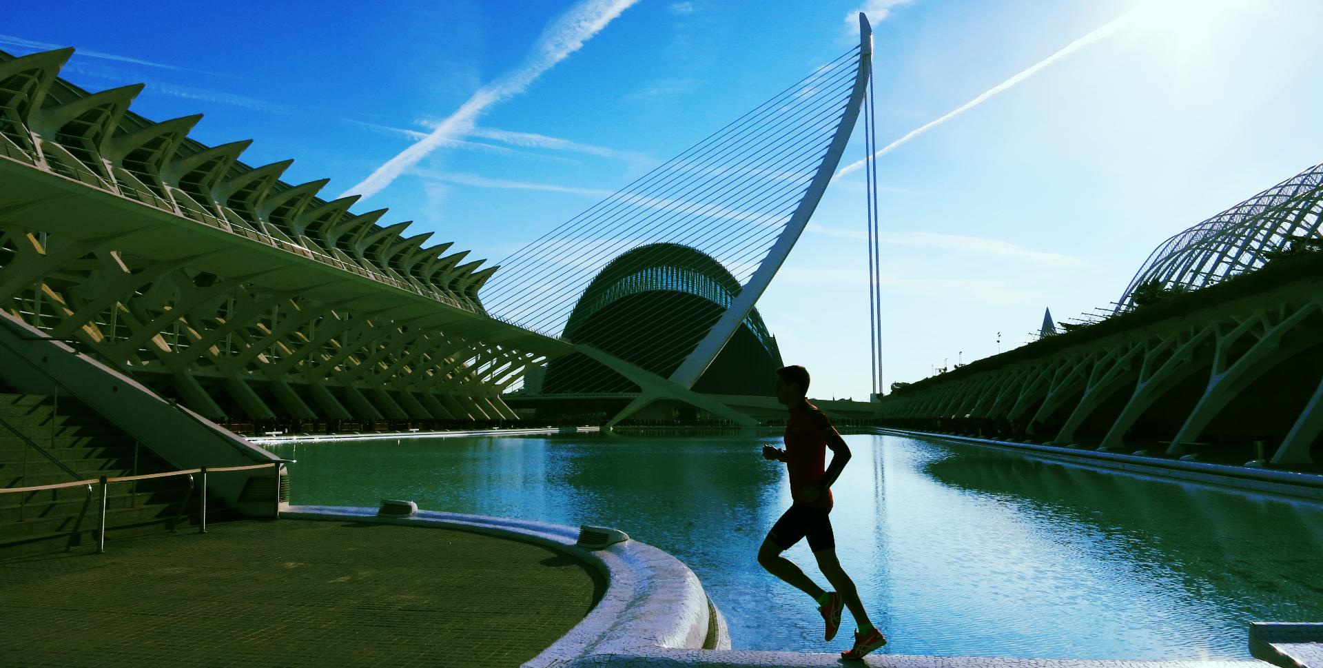 Tuomo Salonen juoksee Valenciassa