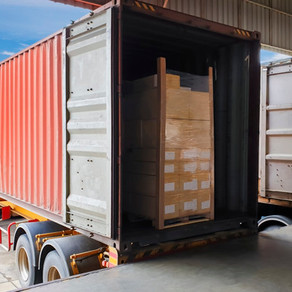 truck-trailer-container-docking-load-shi