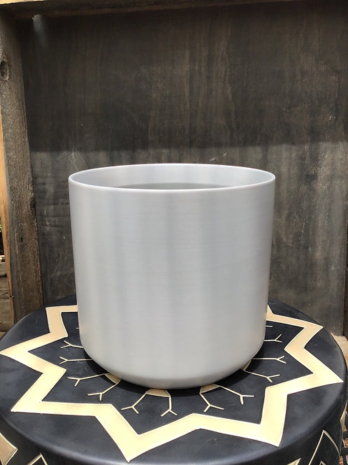 Kendall Pot - 6.75 inch diameter