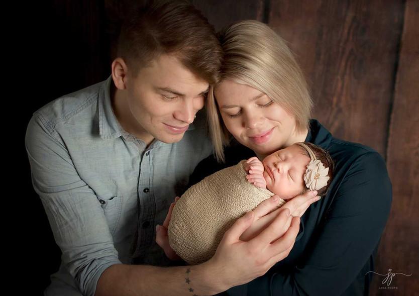 Vastasyntyneen valokuvaamo ja perhe valo