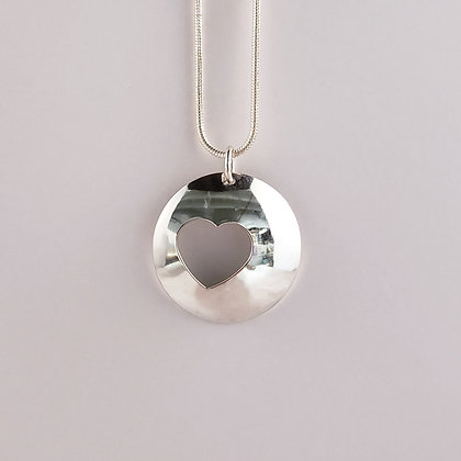 #P917 Heart Pendant