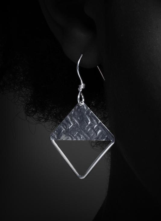 Half Diamond $28-1-2