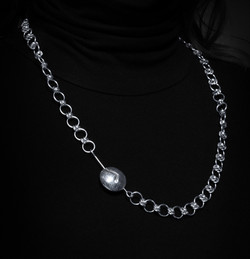 Dainty barrel 27 in clam clasp $273-1-2.
