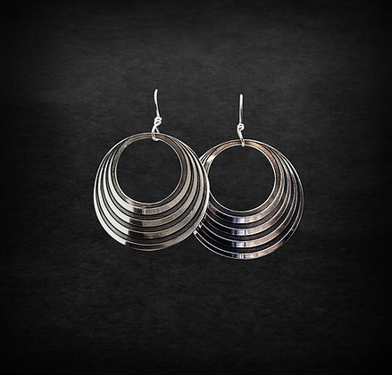 Disappearing Circle Earrings
