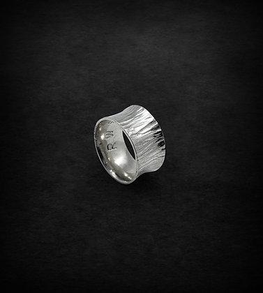Textured Anticlastic Ring