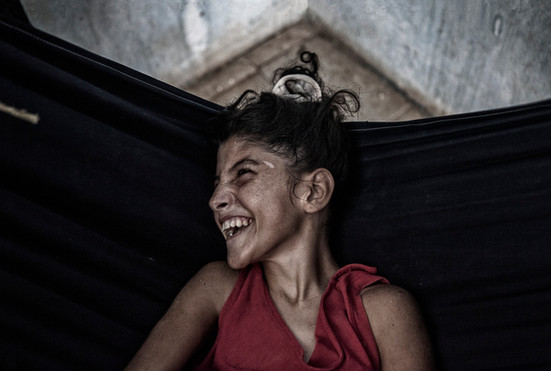 Maybelis Ledezma (13).  Ella sonríe desde su hamaca. Barranquitas, Zulia. Venezuela. 2015