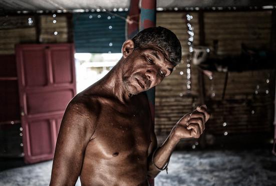 Jorge Soto (48) Dentro de su casa en Barranquitas, Zulia. Venezuela. 2015.