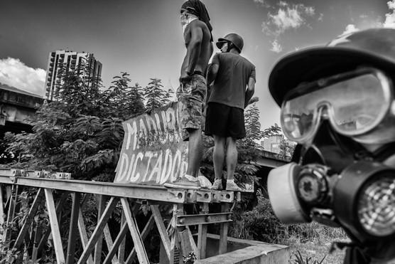 Manifestantes en Bello Monte. Caracas 2017