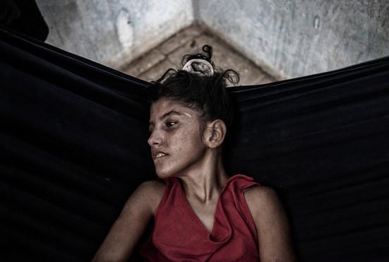 Maybelis Ledezma (13).  en su hamaca. Barranquitas, Zulia. Venezuela. 2015