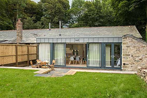 Trewan Hall campsite cornwall, Stables holiday home garden