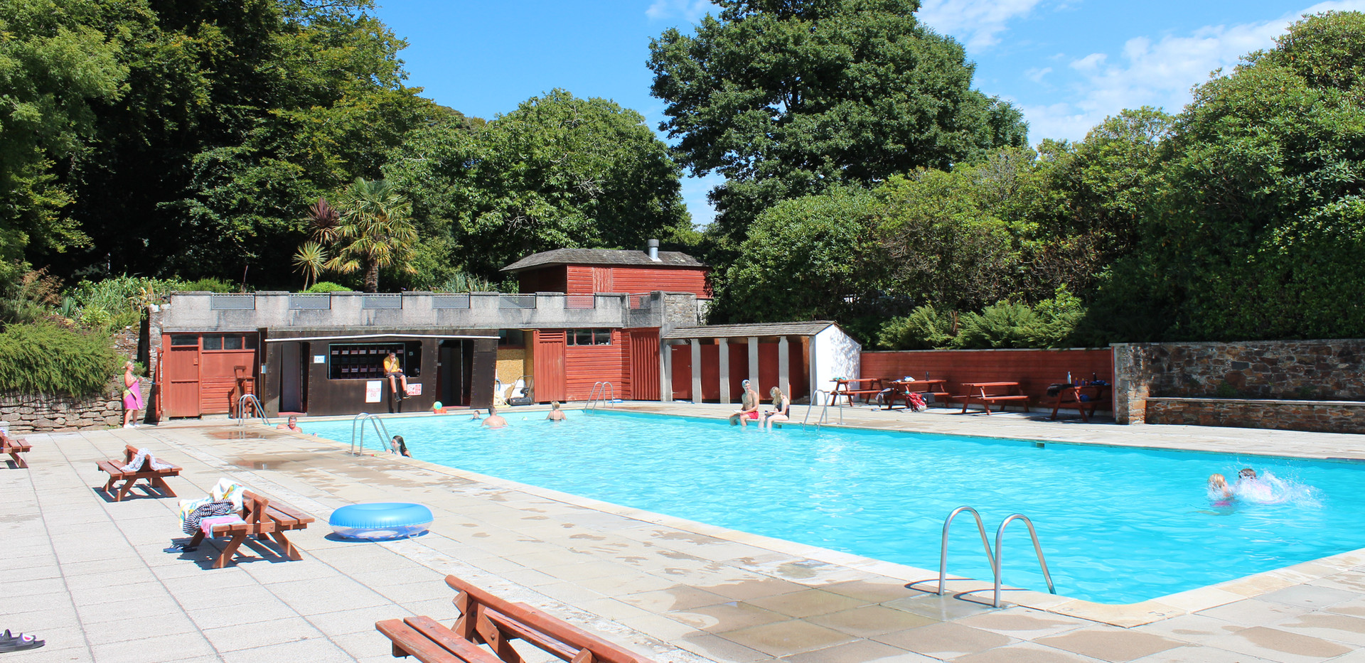25m Swimming Pool