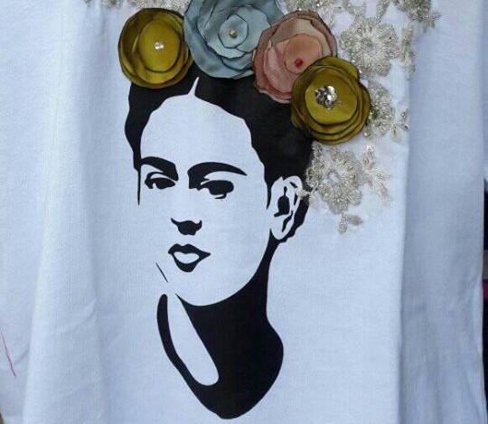 Sombrero y camisa Frida Kalho