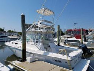 2002 Boston Whaler Defiance 350.jpg