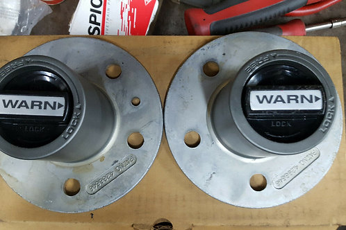 Warn Lock-Out Hubs (Pair) #29070 Fits: Bronco 2, Ranger 83-89