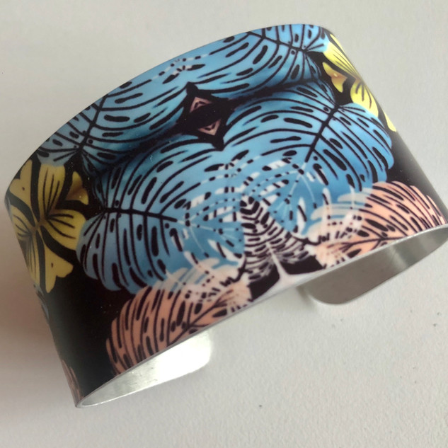 'Vietnam Palms' Aluminium bangle. £42  Monica 07887677332