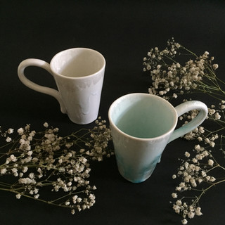 Flowery mug cups Porcelain mug with flower patterns Ima Kawamura