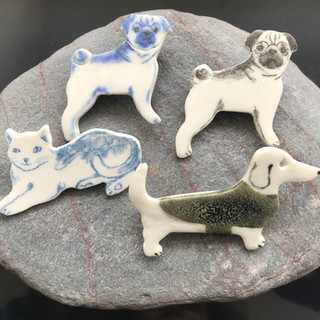 Porcelain broach Cats / Pugs / Dachshund £8 Please email or text Siglint Kessler 07730871780